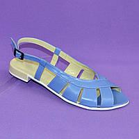 Женские голубые кожаные босоножки на низком ходу. 37 размер