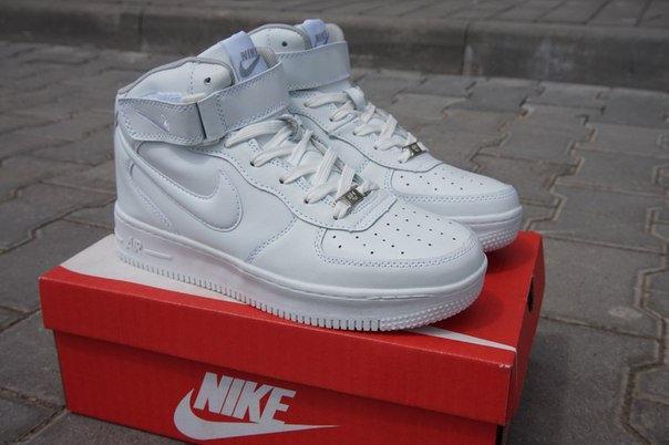 d5484a37 Женские кроссовки NIKE Air Force 1 Mid высокие белые - Интернет-магазин