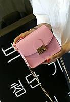 Женская сумка через плечо на цепочке