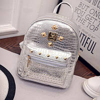 Женский лаковый рюкзак серый