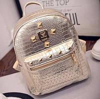 Лаковый городской женский рюкзак золото