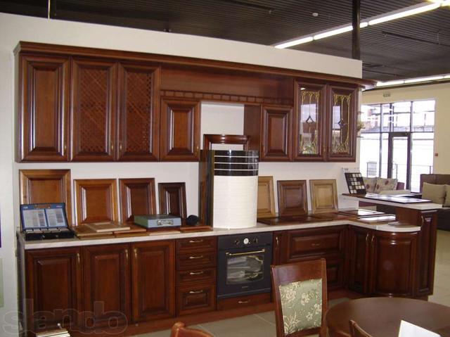 готовая кухня с выставки в салоне фото