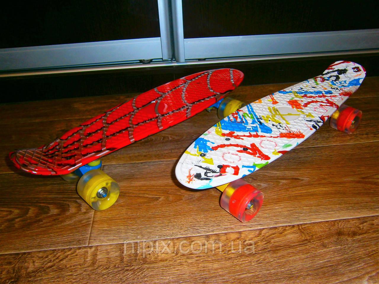 Скейт борд, Пенни борд 22 дюйма с ярким принтом и светящимися колесами