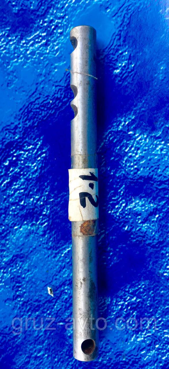 Палец крепления вилки включения 1-2 передачи верхней крышки КПП ГАЗ-53