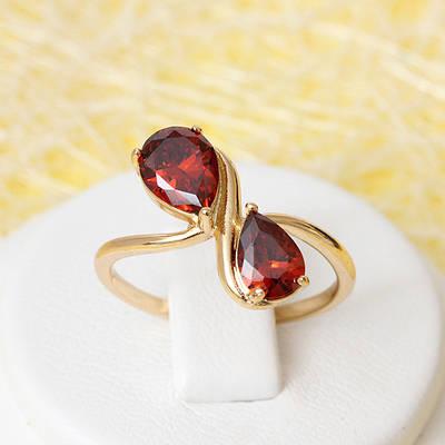 R1-2400 - Позолоченное кольцо с красными фианитами, 17,19 р.