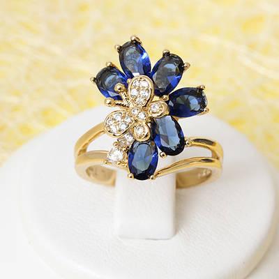 R1-2406 - Позолоченное кольцо с сапфирово-синими и прозрачными фианитами, 17 р.