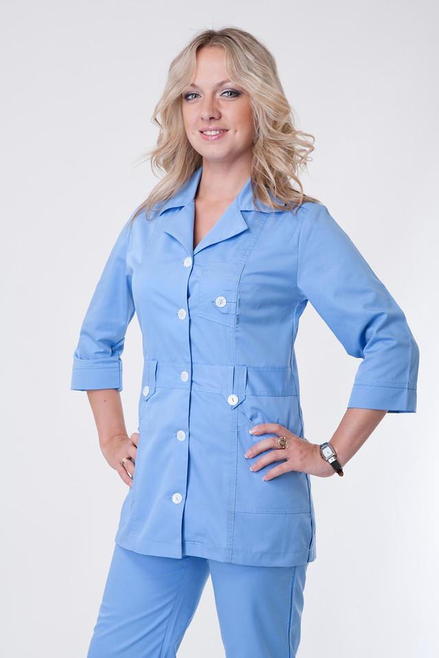 Оригинальный женский медицинский костюм голубого цвета