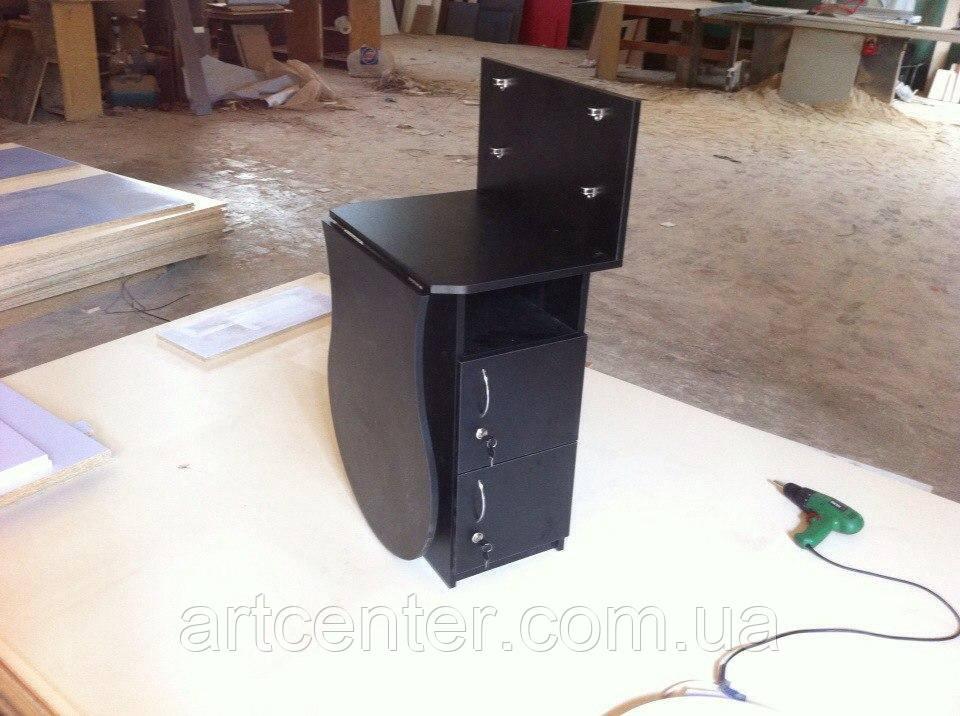 Стол маникюрный черный, складной, с закрытыми полочками