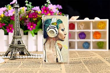 Силиконовый чехол для Nokia Lumia 720 с рисунком девушка в наушниках