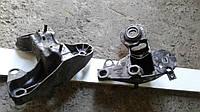 Кронштейн опоры двигателя VAG ПРАВЫЙ VW PASSAT [B5]/ AUDI A4/A6