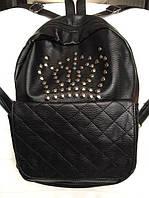 Женские рюкзачки, клатчи —пополни свой гардероб модными аксессуарами