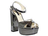 Женские лаковые серебряные босоножки на толстом каблуке (черненое серебро) Tucino №294-3051