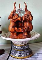 Фонтан с подсветкой и шариком Слоны хобот вверх в вазе