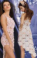 Платье коктейльное белое из соединенных сеткой  плотных мотивов (ромашек), расшитых бисером