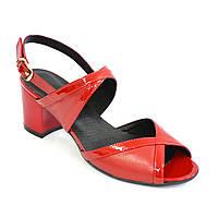 Женские красные босоножки на устойчивом каблуке, натуральная кожа и лаковая кожа. 37 размер