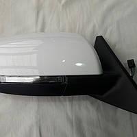 Оригинальное правое зеркало, белое с повторителем поворота на Приора