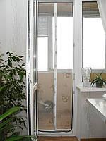 Москитная сетка (штора) на двери с магнитом
