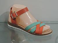 Модные, яркие молодежные босоножки 39