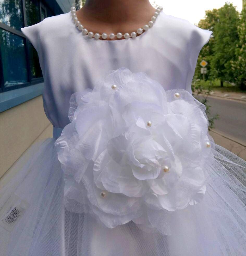 e8572914a14 Белое нарядное пышное платье для девочки из атласа и фатина на выпускной