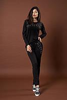 Женский трикотажный костюм с жемчугом. Код модели КТ-06-43-17. Цвет черный.