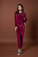 Женский велюровый костюм с жемчугом. Код модели КТ-06-39-17. Цвет марсала.