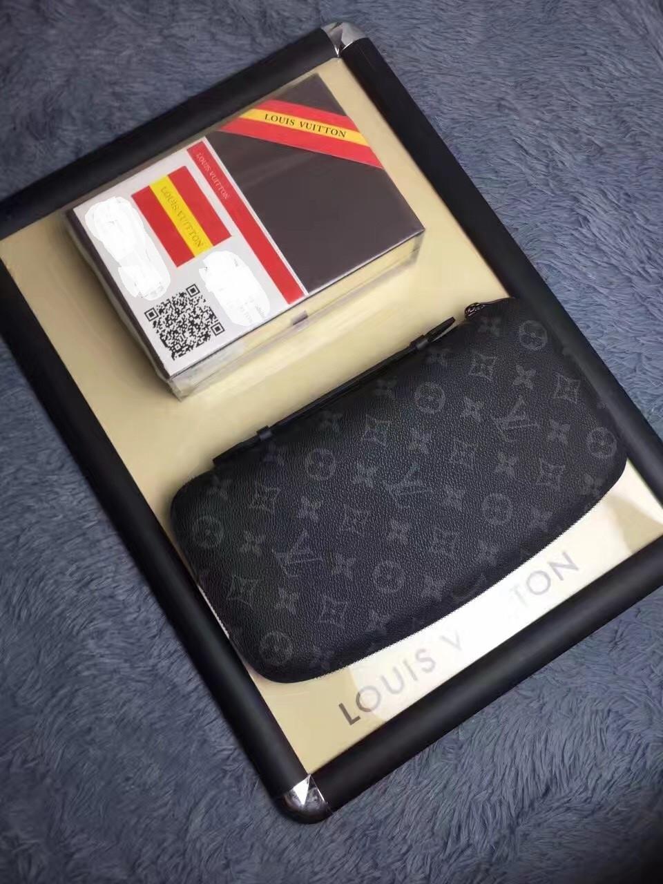 17744ad33753 Клатчи мужские брендовые - Louis Vuitton, цена 5 050 грн., купить в ...