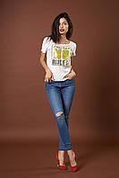 Трикотажная футболка с пайетками. Код модели Л-39-44.3-17. Цвет белый.