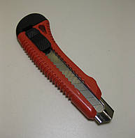 Нож обойный усиленный INTERTOOL для лезвий 18мм