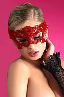Красная кружевная маска