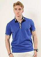Стильная футболка-поло с геометрической вышивкой
