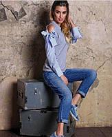 Женская кофта с разрезами на плечах и бантиками