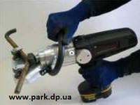 Аккумуляторное оборудование для правки катанки или арматуры