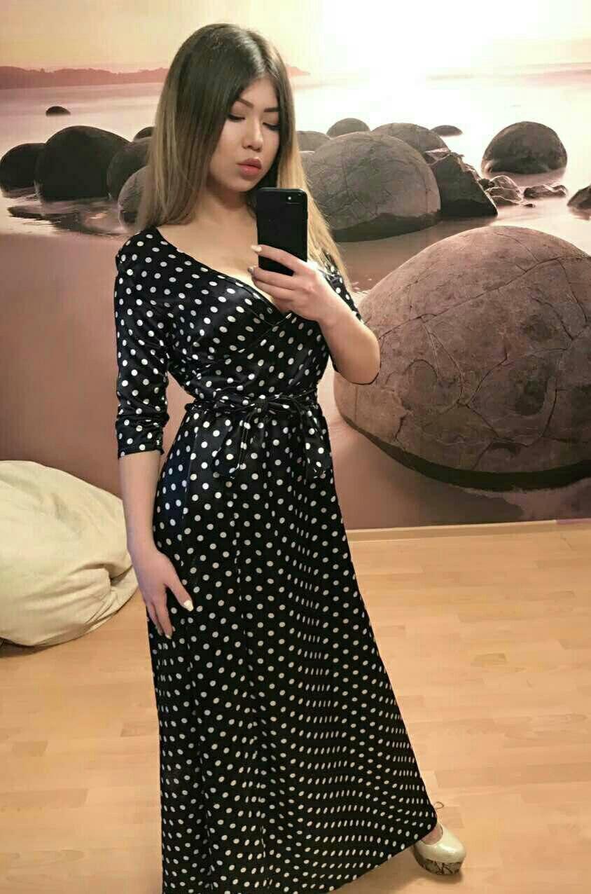 04b55ee80ed Женское длинное платье на запах в горох -