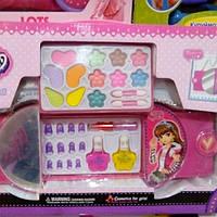 Сумочки с косметикой для девочек