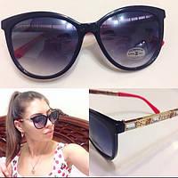 Красивые женские солнцезащитные очки с декорированной оправой l-716092