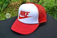 Красная классическая кепка тракер Nike logo