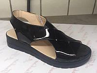 Черные лаковые босоножки украинского производителя. Опт и розница