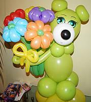 Фигура Мишка салатовый с букетом из воздушных шариков на День рождения