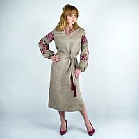 Вышитое платье  модного фасона