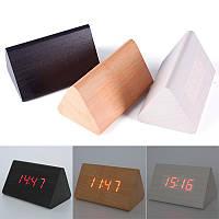 Цифровые светодиодные деревянные часы треугольные