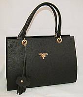 Каркасная женская сумка Prada (Прада) из гладкого кожзама чёрного цвета с перфорацией