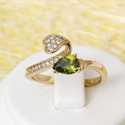 002-2432 - Позолоченное кольцо с оливково-зелёным и прозрачными фианитами, 16.5, 17, 18, 18.5 р.