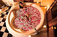 Лепестки роз красно-розовые светлые 600 шт