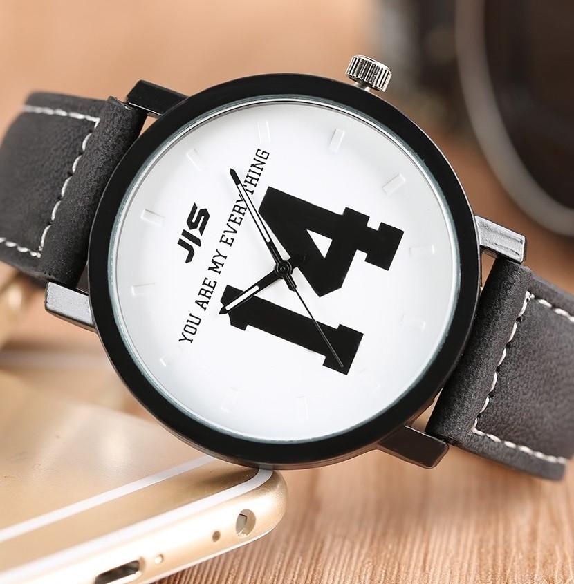 """Кварцевые часы """"14"""" (white) - гарантия 6 месяцев"""
