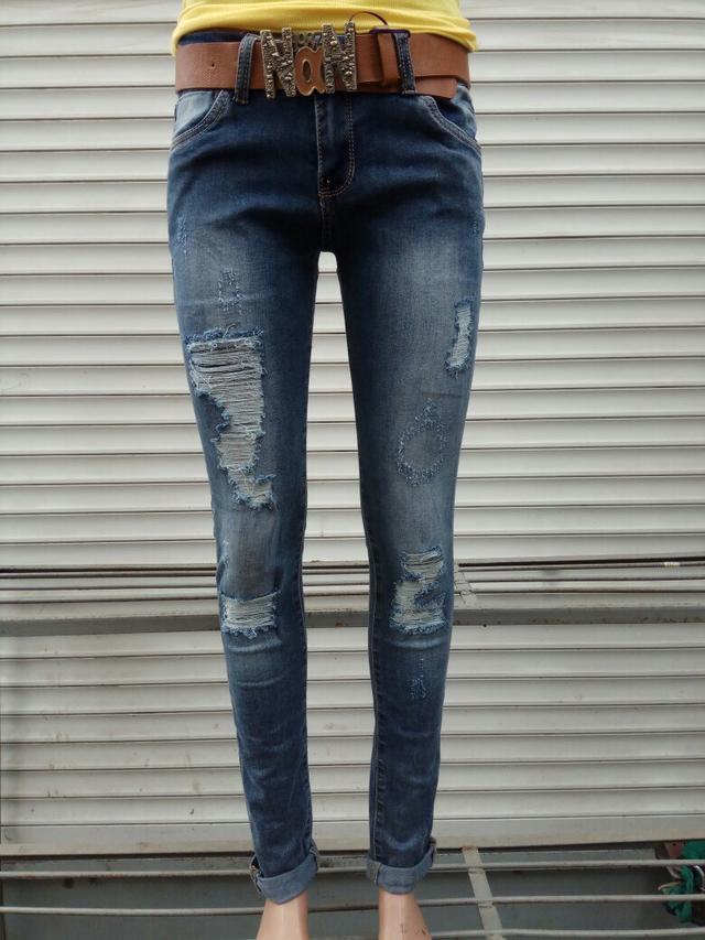 fd44aeba4f5 Стильные женские молодежные джинсы варенка рванка с ремнем