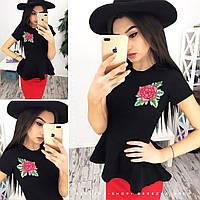Красивый костюм блузка с баской расцветки