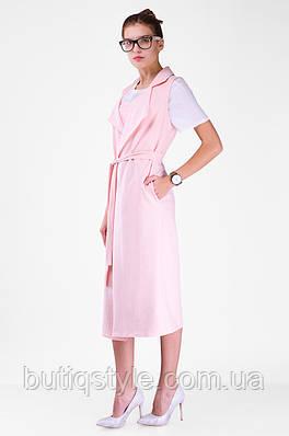 Женская стильная удлиненная жилетка с отложенным английским воротником и поясом