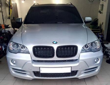 Решетка радиатора ноздри BMW X5 E70 стиль M (черный глянц)