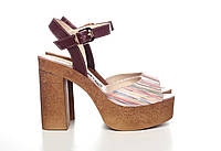 Кожаные босоножки на высоком каблуке и платформе 833-01