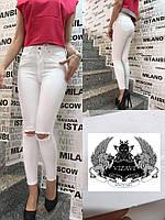 Женские джинсы с порезами  ро2114